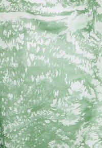 Lovechild - SAMI - Pitkähihainen paita - mistletoe - 2