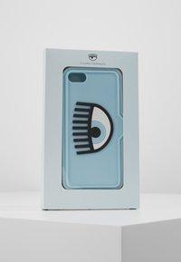 CHIARA FERRAGNI - EYELIKE COVER IPHONE - Mobiltasker - blue - 5