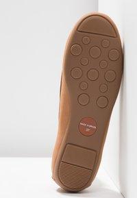 Carvela Comfort - CALLY - Instappers - tan - 6