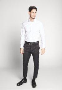 New Look - JAY CROP - Oblekové kalhoty - black - 1