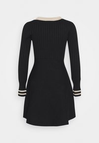 Molly Bracken - YOUNG LADIES DRESS - Pletené šaty - black - 1