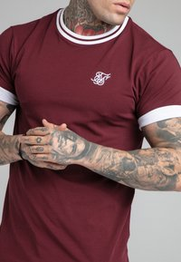 SIKSILK - ROLL SLEEVE TEE - T-shirt - bas - burgundy/white - 4
