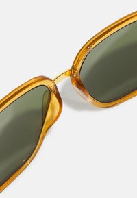 Gucci - UNISEX - Sunglasses - yellow/gold-coloured/green - 3