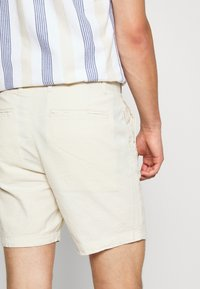 Selected Homme - SLHBENFIELD  - Shorts - turtledove - 4