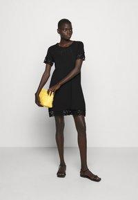TWINSET - SANGALLO - Strikket kjole - nero - 1