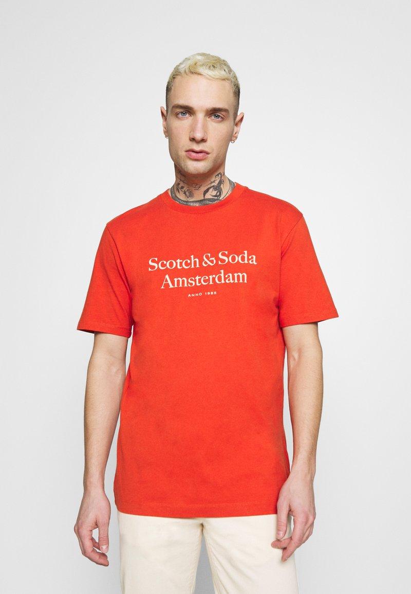 Scotch & Soda - LOGO ARTWORK  - T-shirt med print - chilli pepper