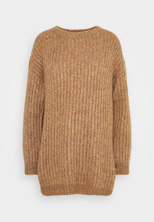 ONLNEW CHUNKY LONG - Stickad tröja - camel melange