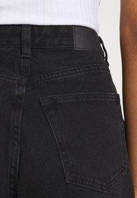 Monki - MAJA - Jeans baggy - black dark - 4
