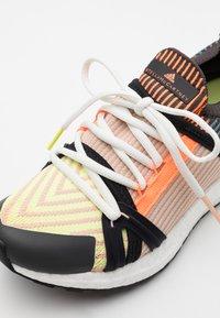 adidas by Stella McCartney - ULTRABOOST 20 S. - Neutrální běžecké boty - light flash yellow/soft powder/utility black - 5