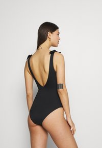 Seafolly - VNECK SHOULDER TIE MAILLOT - Swimsuit - black - 2