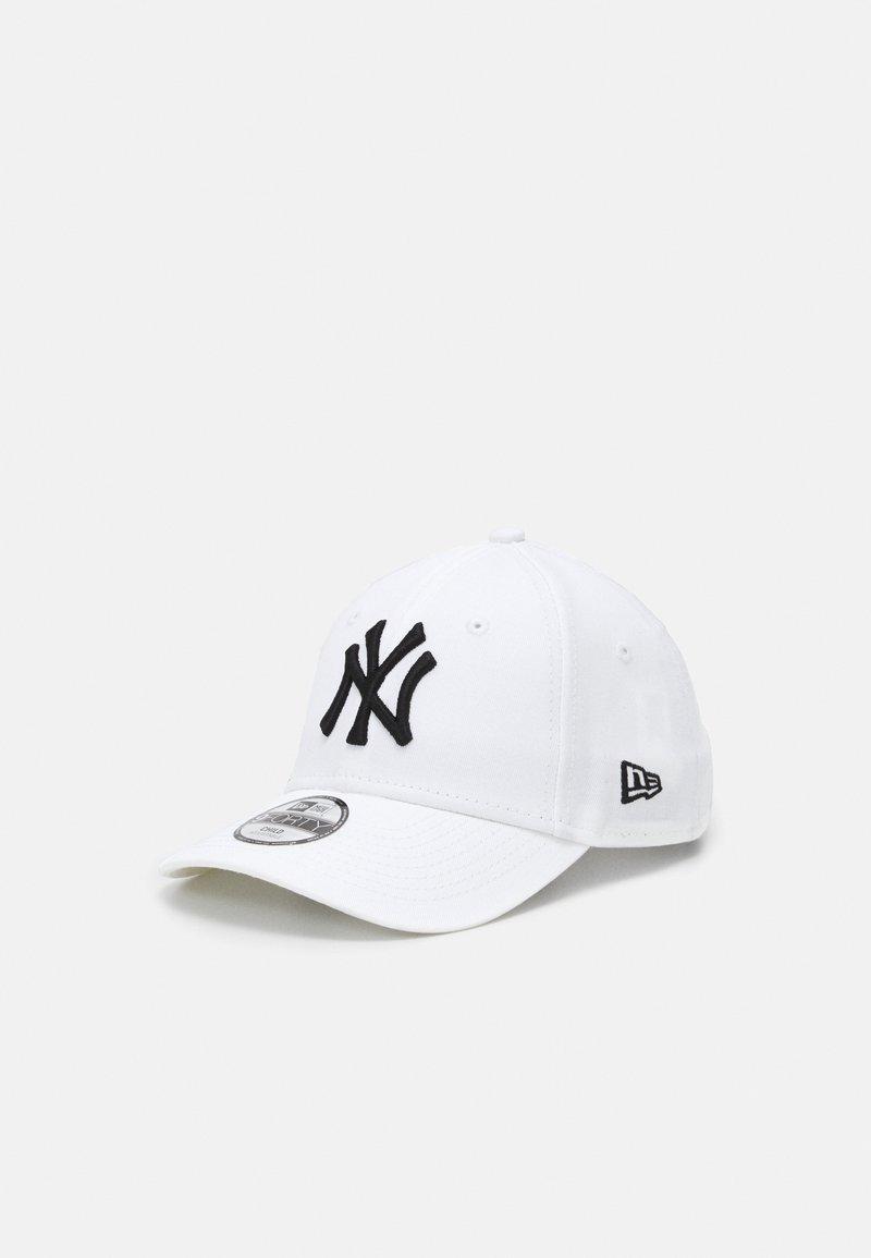 New Era - KIDS LEAGUE ESSENTIAL 9FORTY NEW YORK YANKEES UNISEX - Czapka z daszkiem - black/white