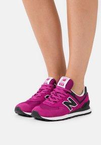 New Balance - WL574 - Trainers - purple - 0