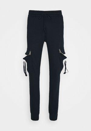 ESSENTIAL JOGGERS - Teplákové kalhoty - navy