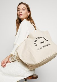 KARL LAGERFELD - RUE ST GUILLAUME TOTE - Tote bag - natural - 1