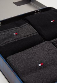 Tommy Hilfiger - SOCK STRIPE GIFTBOX 4 PACK - Socks - black - 2