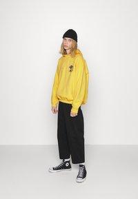 Vintage Supply - OVERDYE BRANDED HOODIE - Sweatshirt - yellow - 1