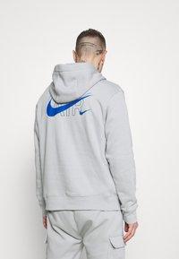Nike Sportswear - HOODIE AIR  - Hoodie - light smoke grey - 2