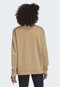 adidas Originals - TREFOIL ESSENTIALS SWEATSHIRT - Sweatshirt - beige - 1