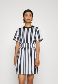 adidas Originals - DRESS - Vestido informal - white - 0