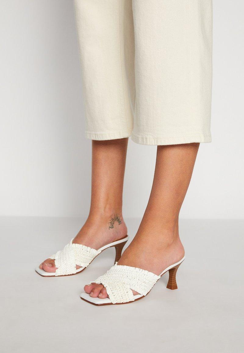 mtng - ANA - Heeled mules - white