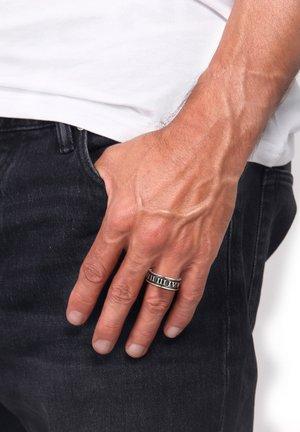 ROMAN NUMERALS - Ring - grau