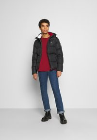 Tommy Jeans - TJM ESSENTIAL DOWN JACKET - Untuvatakki - black - 1