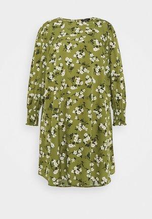AMELIE FLORAL SMOCK - Vestido informal - green