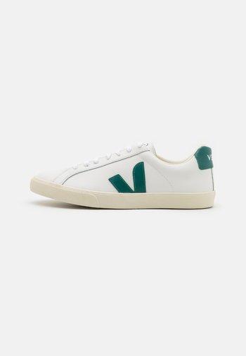 ESPLAR LOGO - Sneakers basse - extra white/brittany