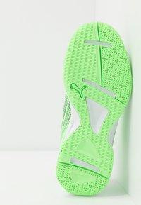 Puma - ADRENALITE 4.1 - Handball shoes - elektro green/white - 5