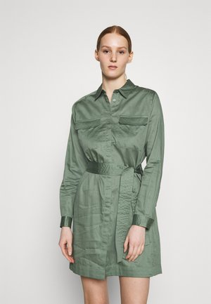 CARLOTTY - Skjortekjole - forest green