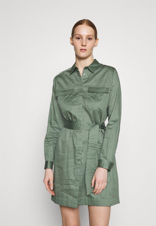 CARLOTTY - Shirt dress - forest green