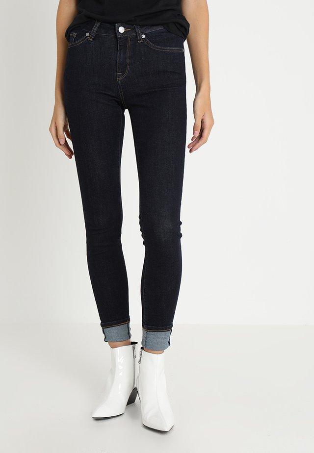SLFIDA RINSE - Skinny džíny - dark blue