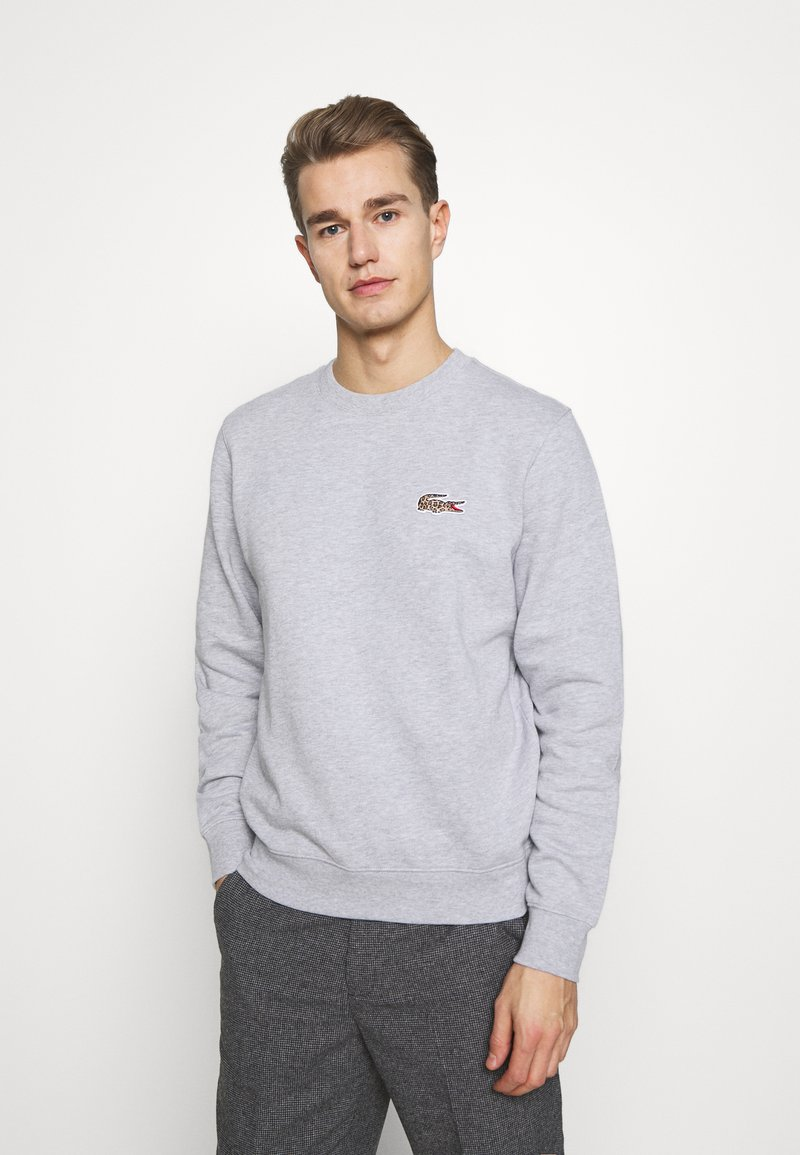 Lacoste - LACOSTE X NATIONAL GEOGRAPHIC - Collegepaita - silver chine