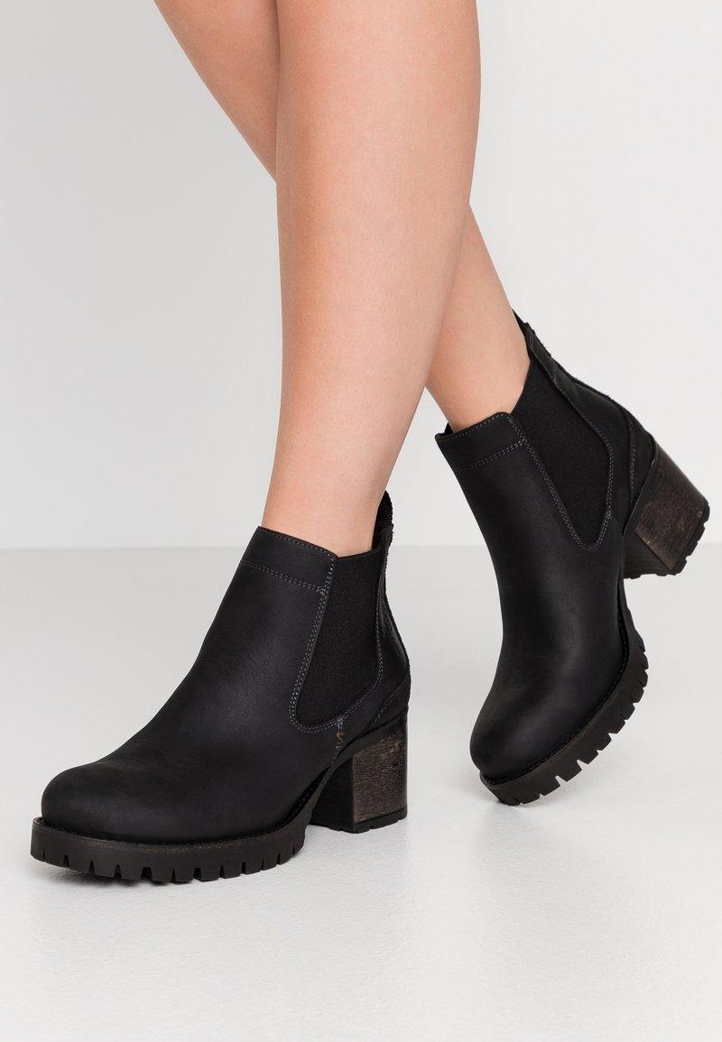 Bullboxer - Kotníková obuv - black