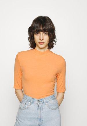 KROWN - T-shirts - apricot cream