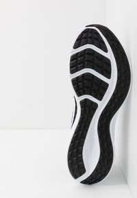 Nike Performance - DOWNSHIFTER 10 - Chaussures de running neutres - black/white/anthracite - 4