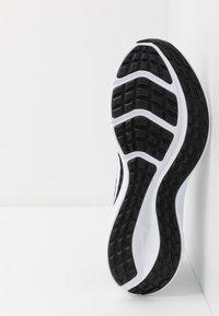 Nike Performance - DOWNSHIFTER 10 - Scarpe running neutre - black/white/anthracite - 4