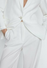 Massimo Dutti - Pantalon classique - white - 3