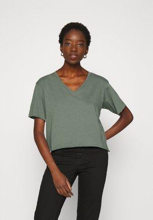 LOOSE V T WMN S\S - T-shirts basic - orphus