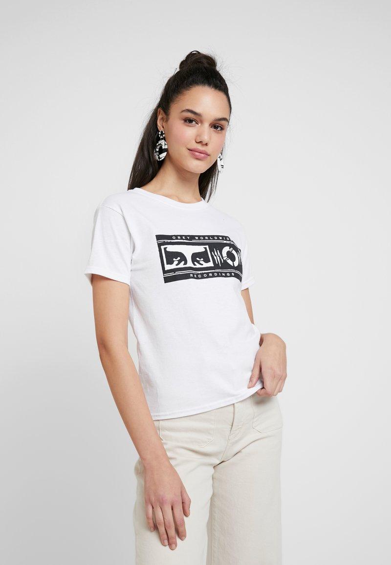 Obey Clothing - WORLDWIDE RECORDINGS - Camiseta estampada - white