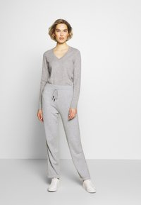 Repeat - TROUSER - Tracksuit bottoms - grey - 1