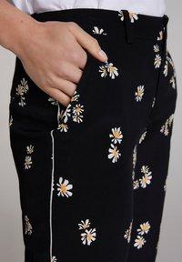Oui - Trousers - black offwhite - 3