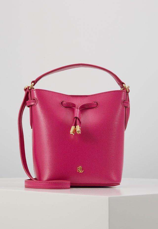 SAFFIANO-DEBBY III-DRW-MIN - Handbag - deep fuchsia