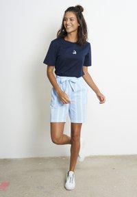 recolution - Shorts - dusk blue / white - 1