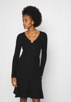 VIAURA SHORT DRESS - Strickkleid - black
