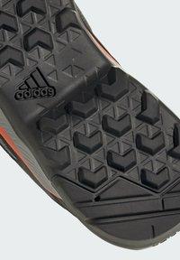 adidas Performance - TERREX EASTRAIL WANDERSCHUH - Outdoorschoenen - grey - 8