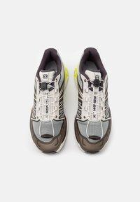 Salomon - SHOES XT-WINGS 2 ADV UNISEX - Sneakers basse - quarry/vanilla ice/green geckog - 3
