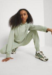 NU-IN - CROPPED HOODIE - Sweatshirt - green - 3