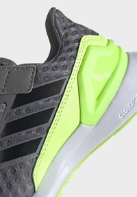 adidas Performance - RAPIDARUN SHOES - Sports shoes - grey - 9