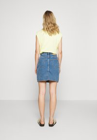 Monki - MIMMIE SKIRT - Kokerrok - blue medium dusty - 2
